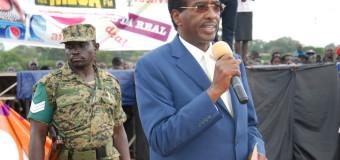 Muhwezi Decampaigns Amama, Besigye in Acholi