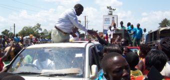 I will fight and push Off Museveni, Besigye Tells Gulu Residents